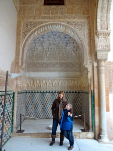 The ambitious Ibn al-Ahmar established the longest lasting Muslim dynasty in Spain : the Nasrids.