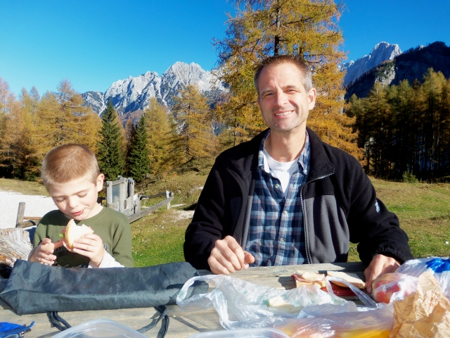 Perfect picnic spot, all to ourselves...ok, it was in October:)