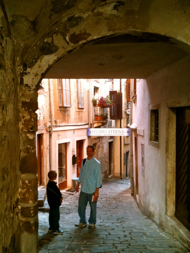 We wandered through the winding streets.