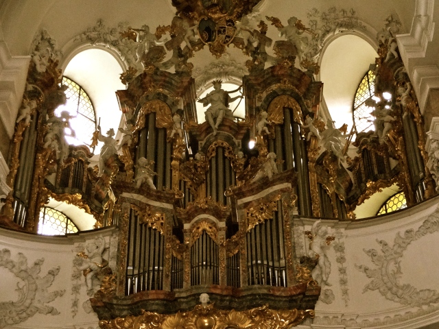 The organ!