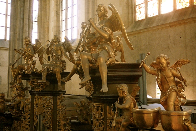 The fun angels:)